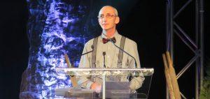 Daniel Villeneuve a reçu un trophée reconnaissance pour son implication exceptionnelle au développement de l'APPQ. Photo : courtoisie