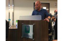 Steeve Boucher, président du CA du centre de plein air Lasallien, a mentionné que l'hébergement est une solution pour diversifier les sources de revenus des Sentiers du Moulin. Photo : Mélissa Côté