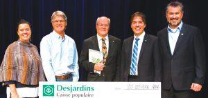 Depuis 2015, la Caisse populaire Desjardins de Charlesbourg a versé plus de 235 000$ pour l'éducation. Photo : courtoisie