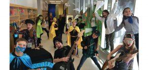 Les élèves semblent avoir eu beaucoup de plaisir pendant le tournage. Photo : courtoisie