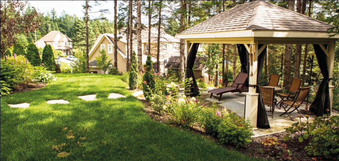 À l\'abri dans son jardin… sous sa terrasse couverte